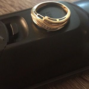 Beautiful 18m ring 7/8